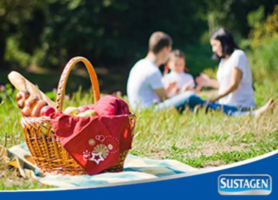 Menikmati Piknik Bersama Keluarga